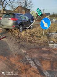 Zderzenie busa i osobówki w Żytniowie. Kobieta w zaawansowanej ciąży trafiła do szpitala