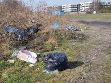 Toniemy w śmieciach. Nielegalne wysypisko koło dawnej spalarni