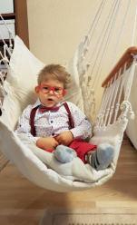 Skrzywiony kręgosłup ogranicza pracę płuc i innych organów 2-letniego Jacka z Opola