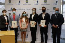 31 studentów z uczelni medycznych otrzymało stypendia Marszałka Województwa Opolskiego