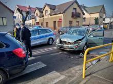 Zderzenie pojazdów w Praszce. Jedna osoba została ranna