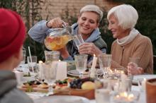 Opieka nad osobami starszymi - pomoc dla rodziny i pracowników