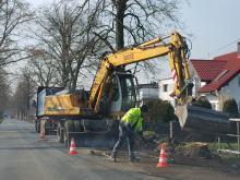Nie będzie wielkiego cięcia drzew w Kotorzu Małym. Rozpoczęła się budowa ścieżki rowerowej