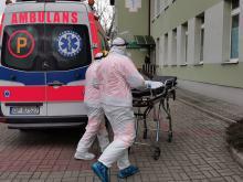 Zmarło 954 zakażonych koronawirusem osób. Blisko 28 tysięcy zakażeń w czwartek