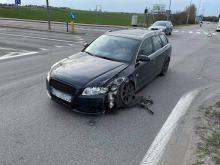 Kierowca audi uderzył w pojazdy i uciekł. Zdarzenie na obwodnicy Opola