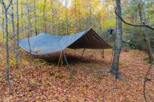Hotele na majówkę jeszcze zamknięte, ale pamiętajmy, że możemy zanocować...w lesie!