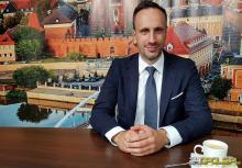 """Janusz Kowalski ukarany w związku z zawiadomieniem o """"odczłowieczaniu osób LGBT"""""""