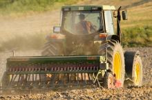 Urząd marszałkowski dofinansowuje budowy i przebudowy dróg dojazdowych do gruntów rolnych