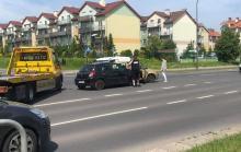 Zderzenie trzech pojazdów na skrzyżowaniu Al. Solidarności i Witosa. Ranne dziecko