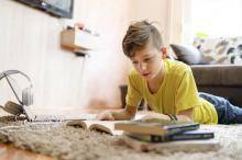 Minister Czarnek zmienia listę lektur. Oto, co będą czytać dzieci