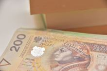 Prawie 300 zł podwyżki minimalnego wynagrodzenia? Analizujemy rządowe plany