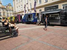 Smacznie na opolskim rynku! Trwa festiwal Food Trucków.