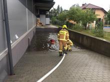 Strażacy walczą ze skutkami ulewy i burzy w województwie opolskim