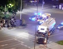 Samochód osobowy zderzył się z cysterną. Groźny wypadek na skrzyżowaniu w Opolu