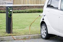 Państwo dopłaci do samochodów elektrycznych. Sprawdź, ile