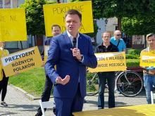 """Przyjmuje zwolenników """"stref wolnych od LGBT"""""""