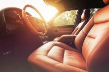 6 rzeczy, których lepiej nie zostawiać w samochodzie podczas upałów