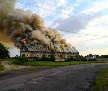 Pożar w powiecie strzeleckim. W akcji kilkanaście zastępów straży