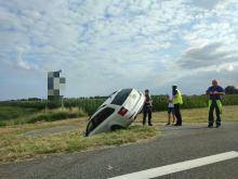 Mężczyzna stracił panowanie nad pojazdem i wpadł do rowu