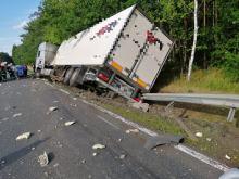 Dwa samochody ciężarowe zderzyły się w powiecie kluczborskim