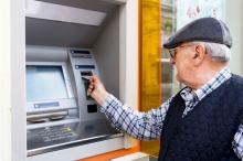 Możliwy problem z wypłatą rent i emerytur. Pracownicy ZUS stawiają warunki