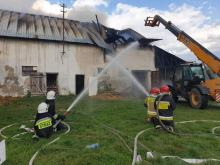 19 zastępów straży walczyło z pożarem stodoły w powiecie kluczborskim