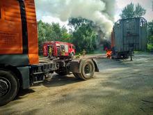 Pożar naczepy z drewnem w powiecie oleskim