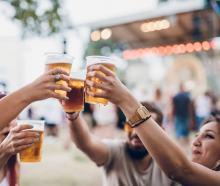 Odkryto procenty w bezalkoholowym piwie. Producent alarmuje