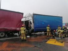 Zderzenie dwóch ciężarówek na A4. Jeden z kierowców trafił do szpitala