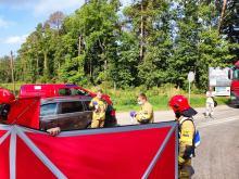 Tragiczne sceny na skrzyżowaniu w Starym Oleśnie. Nie udało się uratować kierowcy