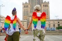 PiS ugina się w sprawie LGBT. Wiceminister pisze do samorządowców