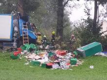Kierowca ciężarówki uderzył w drzewo. Śmiertelny wypadek w Ujeździe