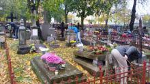 Cmentarze zamknięte we Wszystkich Świętych? Minister zdrowia wyjaśnia