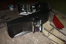 Trzy automaty do gier zniszczone, jeden skradziony - 32 i 33-latek zatrzymani