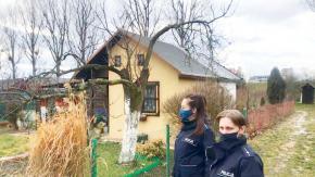 Policjanci kontrolują ogródki działkowe