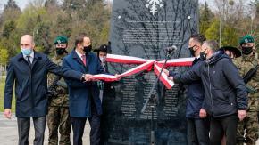 Uroczyście odsłonięto pomnik upamiętniający powstańców śląskich
