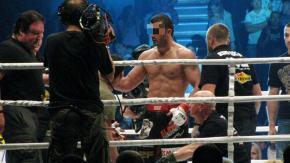 Znany zawodnik MMA Mamed Ch. z zarzutami. Grozi mu 10 lat więzienia