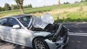 27-letni kierowca BMW nie ustąpił pierwszeństwa przejazdu. Doszło do zderzenia