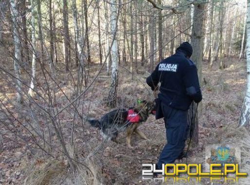 Po kłótni z żoną wyszedł z domu, odnalazł go w lesie pies tropiący