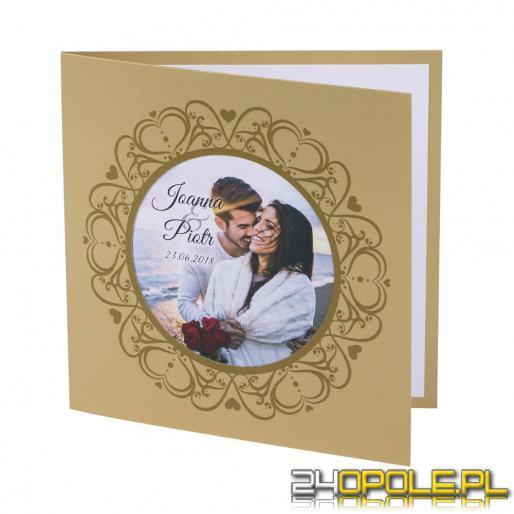 Zaproszenia na ślub z personalizowanym zdjęciem to istny hit. Zobacz, dlaczego