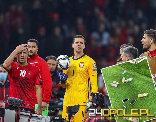 Przerwany mecz Polska - Albania. W piłkarzy poleciały butelki i telefony