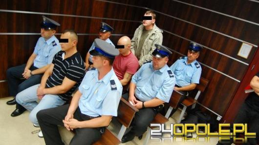 Napastnicy spod Galerii Opolanin stanęli przed sądem