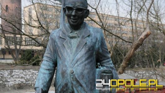 Wędrujące rzeźby i pomniki w Opolu?