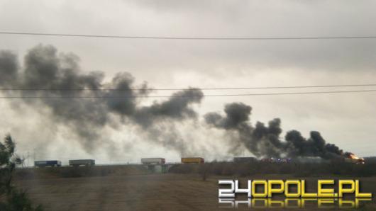 Ciężarówka zapaliła się podczas jazdy