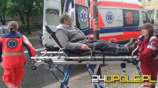 64-letni kierowca motoroweru wpadł w poślizg