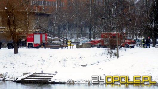 Błyskawiczna akcja strażaków na Odrze uratowała życie młodemu mężczyźnie