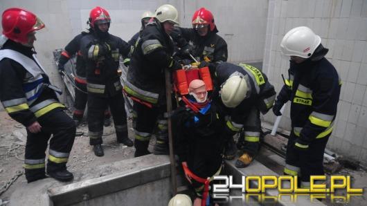 Strażacy ćwiczą w Opolskim Centrum Logistycznym