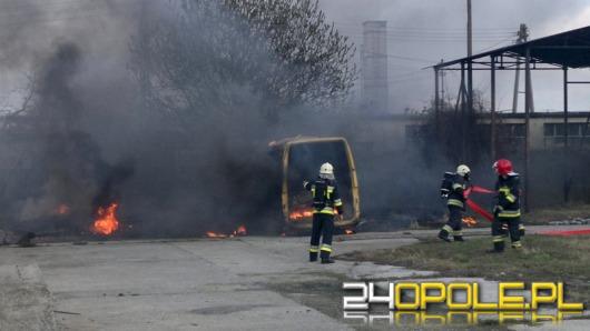 Wrak busa spłonął na ul. Ozimskiej