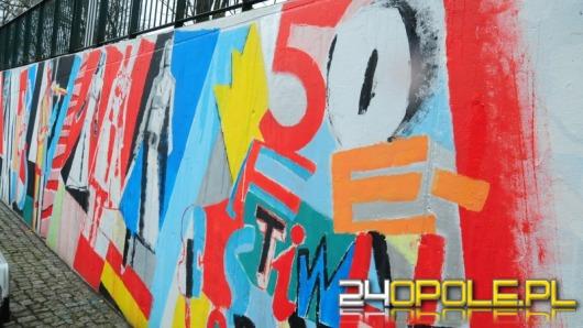 Festiwalowe graffiti zdobi mury NCPP