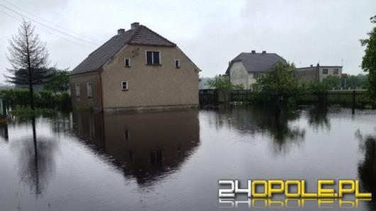Lokalne podtopienia w całym województwie. 5 rzek przekroczyło stany alarmowe.